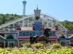 the glockenspiel at Lake Compounce with flowers in front